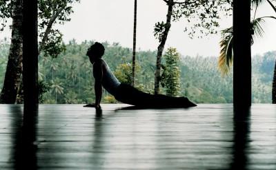44165844-H1-male_yoga_1