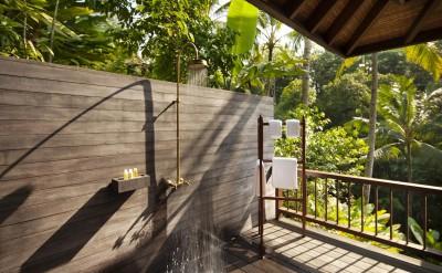 CSE Retreat Villa Shower