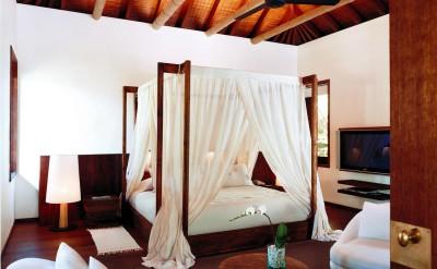 44182860-H1-Bedroom_-_2BR_Retreat_Villa