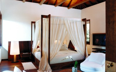 44182889-H1-Master_bedroom_in_2BR_Retreat_Villa
