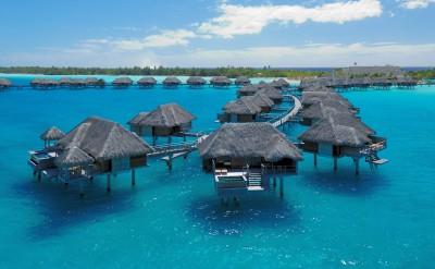 Bora Bora Four Seasons Resort Villa with pool
