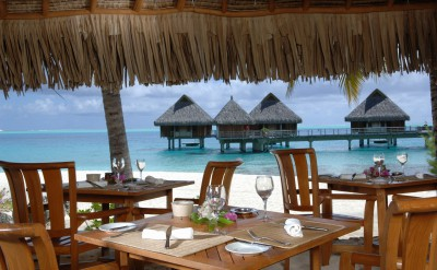 Bora Bora Nui Resort & Spa Beach Restaurant