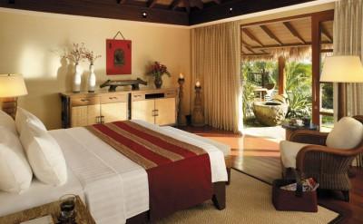 Pool-Villa-Bedroom