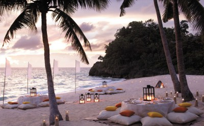 Punta-Bunga-Beach-Dinner-Set-Up