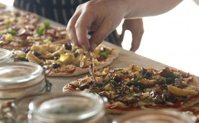 driftwood bar pizza preparations_1359
