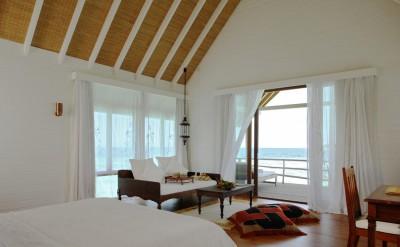 44153360-H1-COMO_Sunset_Villa_Bedroom-Quick Preset_1500x1000