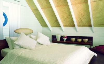44153716-H1-Dhoni_Loft_Suite_Bedroom-Quick Preset_1372x1000