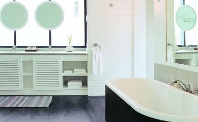 44153770-H1-Dhoni_Loft_Suite_Bathroom-Quick Preset_1000x1359