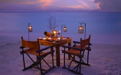 Romantic_Beach_Dinner_H-Quick Preset_1414x999