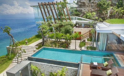 Hi_AULU_52856097_Three_Bedroom_Ocean_Front_Pool_Villa_exterior