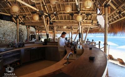 semara-uluwatu-finns-bar