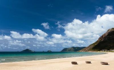 1.6km-of-sandy-beach_[5417-LARGE]