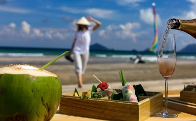 Exclusive_dining_experience_by_the_beach_(2)_[5471-LARGE]