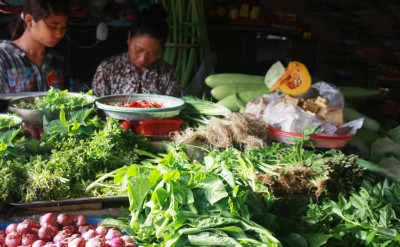 Market_in_Con_Dao_[5457-LARGE]