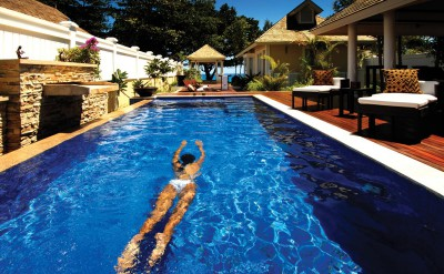 25558445-H1-BTSY_GuestRoom_TwoBedroomDoublePoolVilla_Lady Swimming In P