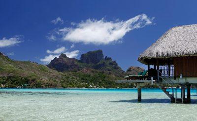 island-luxury-overwater-bungalow-3