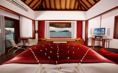 luxury-overwater-bungalows-3