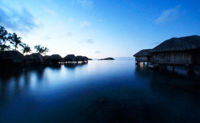 luxury-overwater-bungalows-5