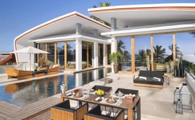Penthouse-Pool-Table-OceanReflection