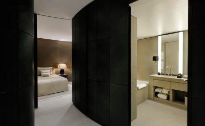 Armani-Fountain-Suite-Corridor