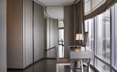 Armani-Signature-Suite---Dressing-Table