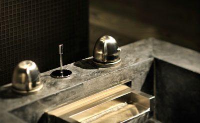 Armani-Spa---Foot-Bath-Ritual