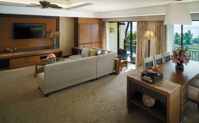 specialty-suite-living-room