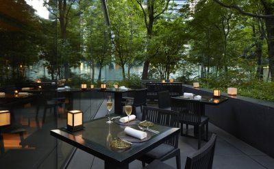 Aman_Tokyo_Cafe_Outside.jpg