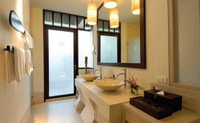 17. Grand Deluxe Bathroom