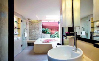 26. Premier Room Bathroom
