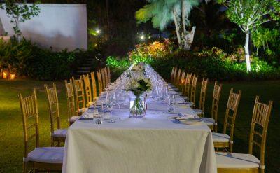 Villa-grass-dinner-2