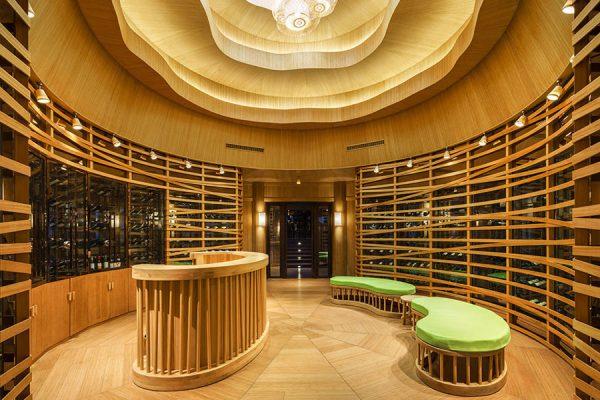 975x660_Wine_cellar_640x450