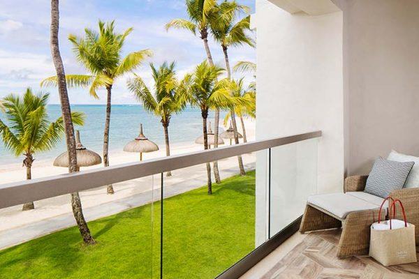 OOLSG-Beach-Front-Balcony-Room-800-x-500