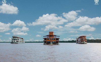 秘鲁河轮12背景